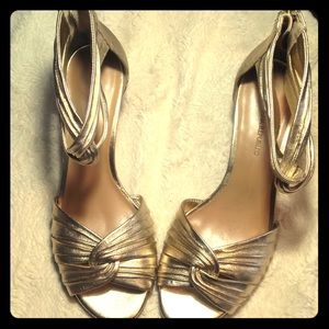 Gold heeled women's shoes